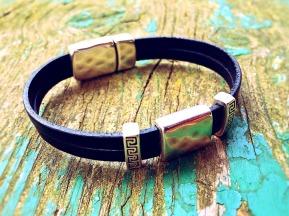 bracelet-749457_1920