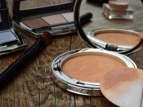 cosmetics-2116386_1920