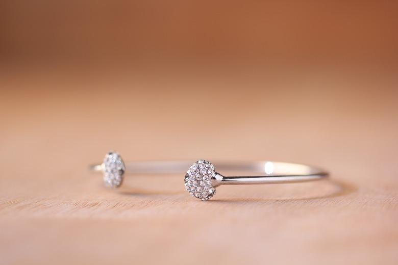jewellery-1616538_1920
